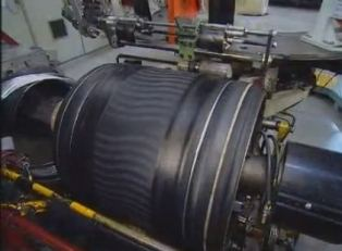 Comment sont réalisés les pneus industriels ?
